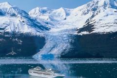 Colossal glaciers on the Alaskan coast