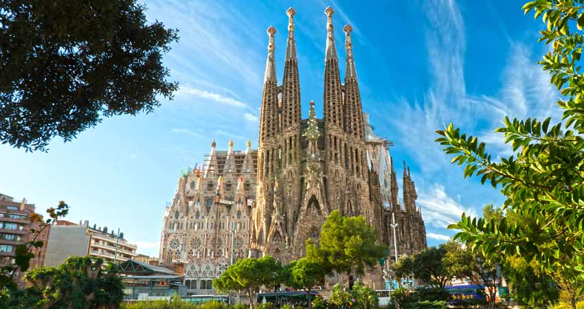 Gaudi's Unfinished Cathedral - La Sagrada Familia