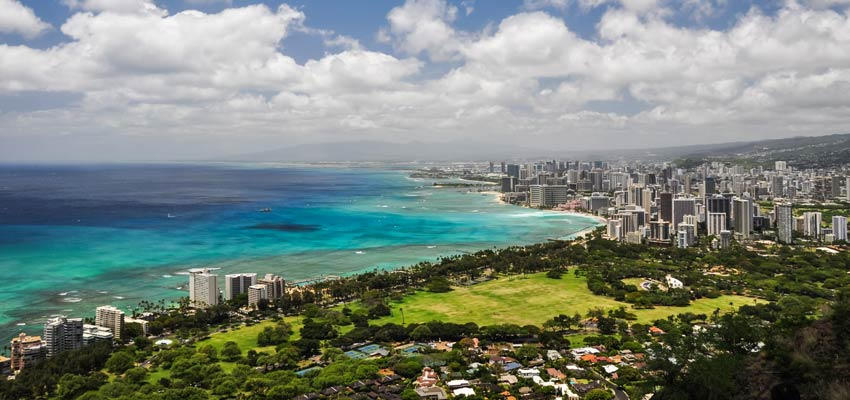 The stunning coastline of Honolulu, Hawaii