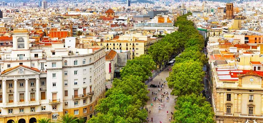 Las Ramblas shopping boulevard in Barcelona