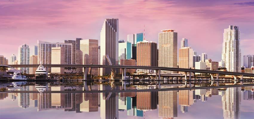 Miami's beautiful skyline at dusk