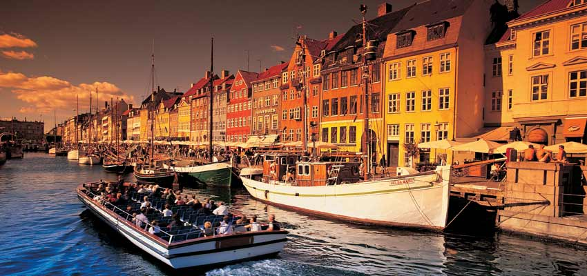 Boat tours of Copenhagen