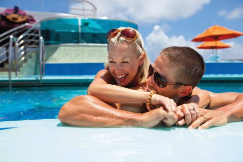 carnival-pool-couple