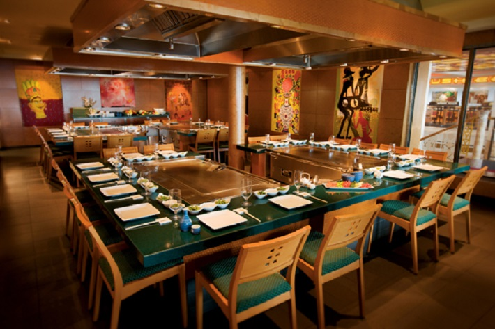 Interior of the Teppanyaki restaurant on-board Norwegian Pearl