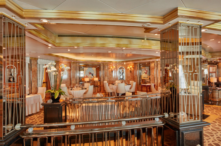 The sparkling interior of the Verandah restaurant on Cunard Queen Elizabeth
