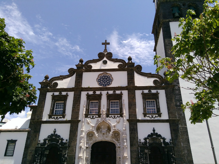 The white-washed Convento de Nossa Senhora da Esperança in Sao Miguel in the Azores
