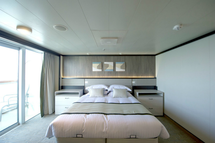 The bedroom of an accessible cabin on PO Britannia
