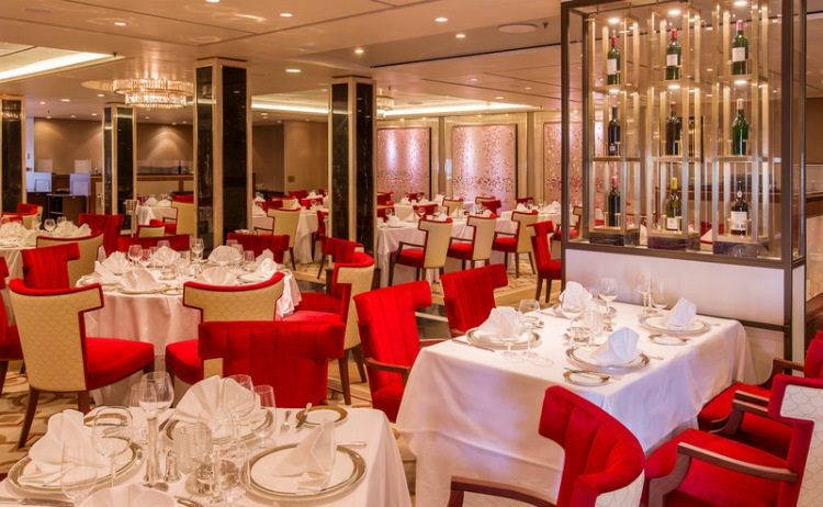 The stunning Queen's Grill restaurant on-board Cunard's Queen Mary 2