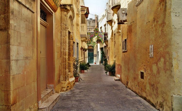 Alleyway in Valletta, Malta