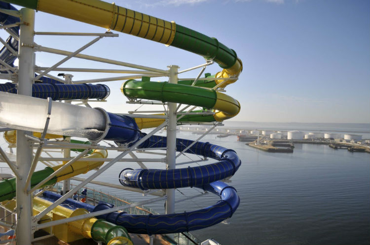 Water slides - Independence of the Seas