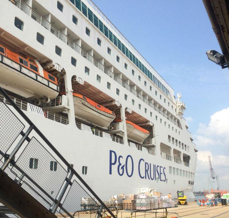 P&O Cruises - Cruise ship