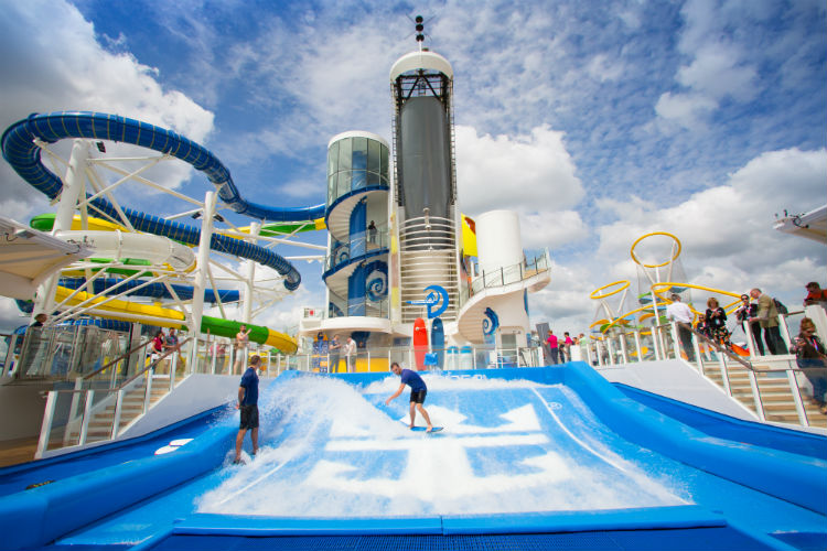 FlowRider on-board Independence of the Seas - Royal Caribbean