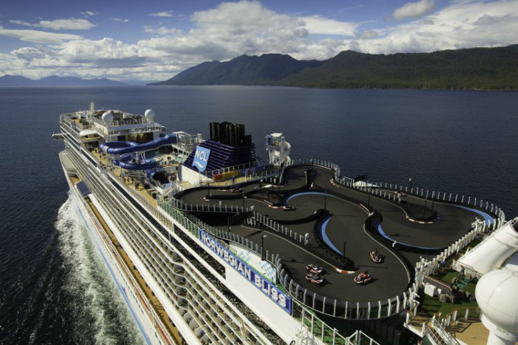 Norwegian Bliss - Race track