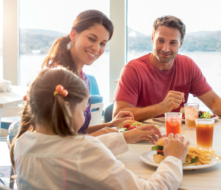 Family dining on-board Norwegian Cruise Line
