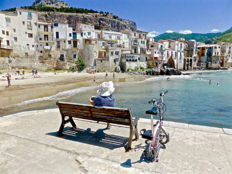 Solo traveller - Sicily, Italy