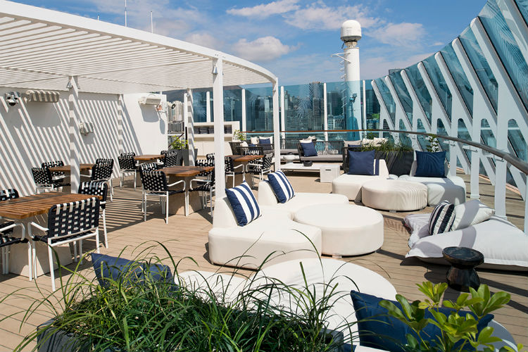 Retreat Sundeck - Celebrity Summit