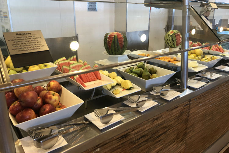Buffet dining - Norwegian Spirit