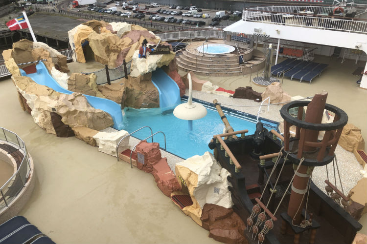 Pirate ship waterpark - Norwegian Spirit