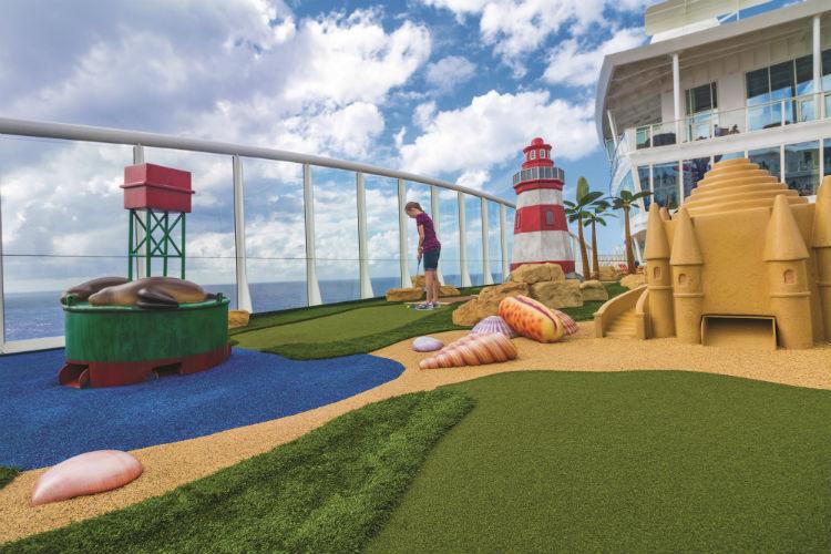 Royal Caribbean - Mini-golf course