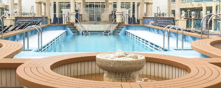 Swimming pool - Norwegian Spirit