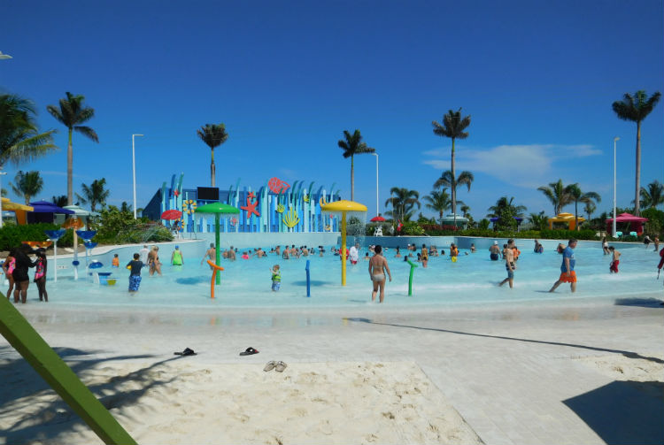 Wave Pool - Perfect Day at CocoCay