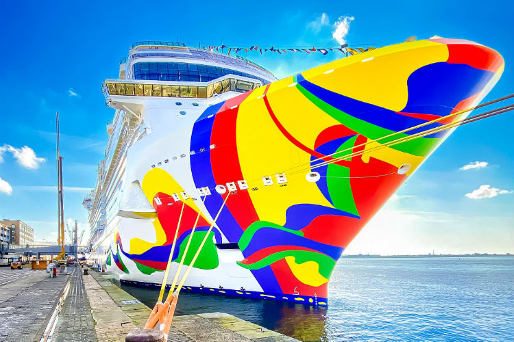 Norwegian Encore - Ship exterior