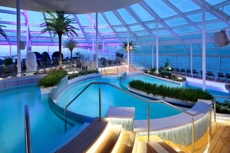 Anthem of the Seas - Solarium with cascading pools
