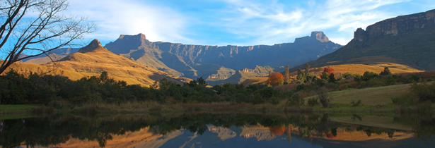 south-africa_drakenberg-mountains_Mont-Aux-Source-amphitheatre