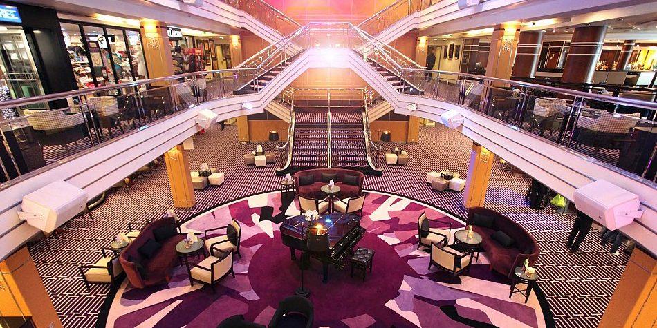 cruise-maritime-columbus-atrium