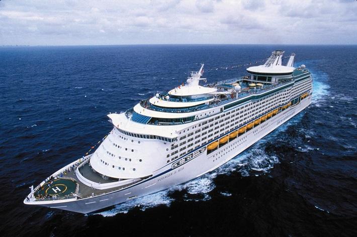 Royal Caribbean cruise ship Vision of the Seas out at sea